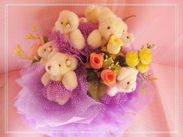 送给女孩的最美礼物~可爱的卡通娃娃花束