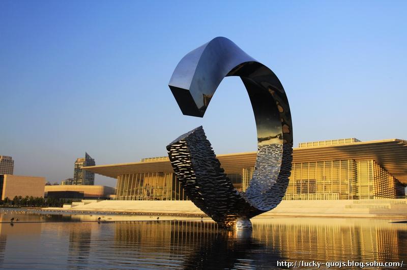 雕塑作者,朱尚熹图片