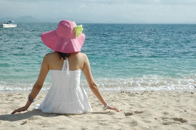 沙滩中的背影
