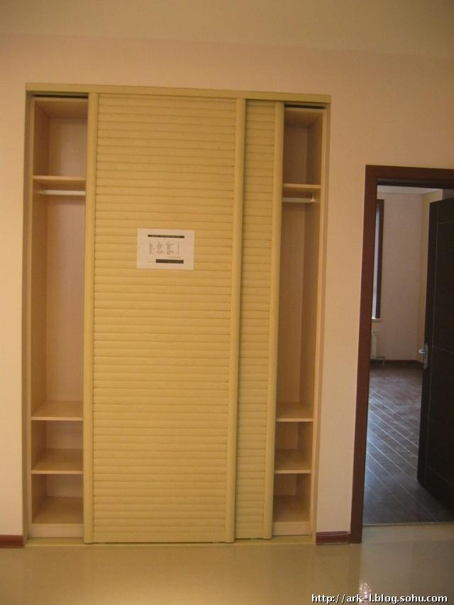 挂衣橱推拉门效果图 门厅挂衣柜效果图 挂衣柜效果图