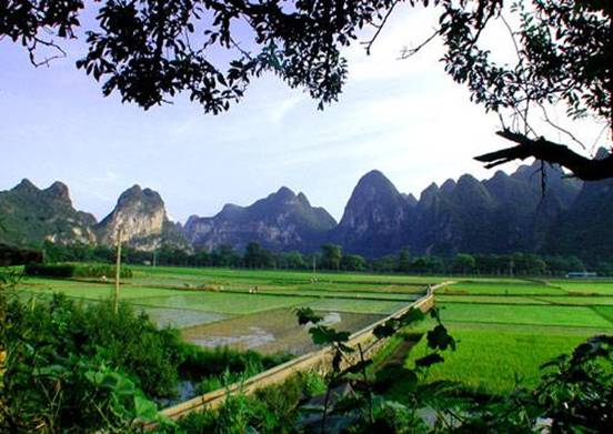 在水一方:桂林山水歌
