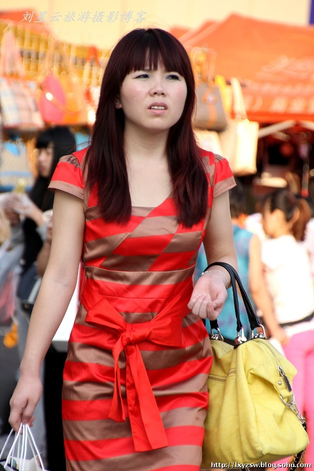 随拍青岛街头美女_我在青岛街头拍美女-刘星云旅游摄影-搜狐博客