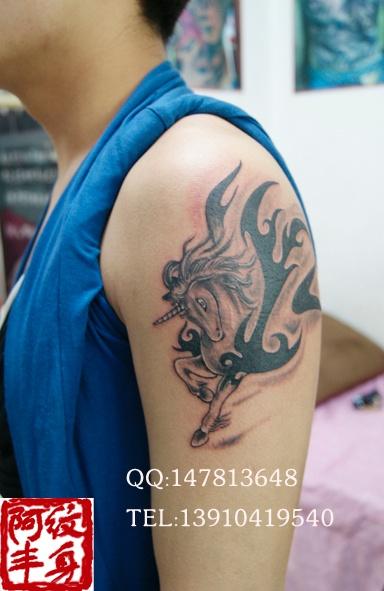 逼上纹身蝎子 女生纹身纹在逼上蝎子 纹身纹在逼上蝎子